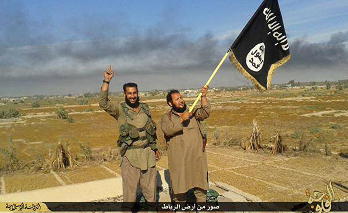 Боевики Исламского государства в городе Эль-Фаллуджа, Ирак
