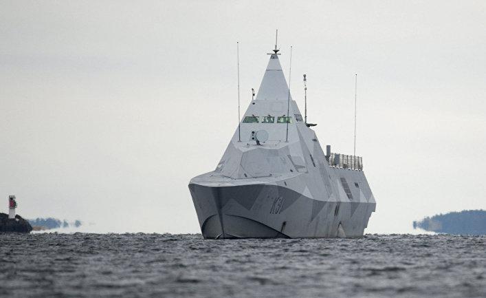 Корвет типа «Висбю» ведет поиски подводной лодки в районе Стокгольмского архипелага