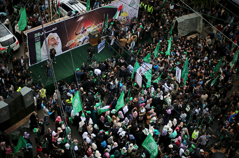 Парад в Газе в честь 28-летия основания движения ХАМАС