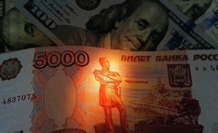 Специалисты Bloomberg оценили рост курса рубля при отмене санкций