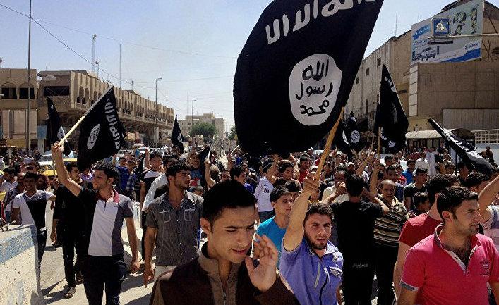 Демонстрация сторонников Исламского государства в городе Мосул