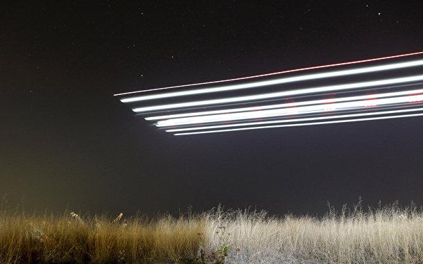 Взлет Solar Impulse 2, самолета, использующую солнечную энергию