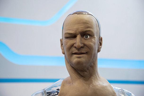 Человекоподобный робот Хан