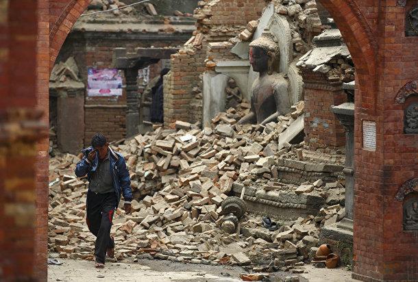 Разрушенный храм в Бхактапуре, Непал