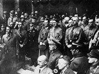 Адольф Гитлер на праздновании 10-летия национал-социалистического движения в Мюнхене, 9 ноября 1933 года