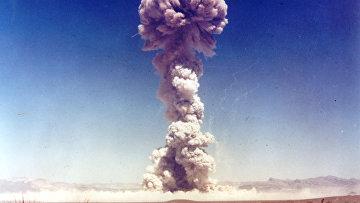 Один из испытательных ядерных взрывов операции «Бастер-Джангл»