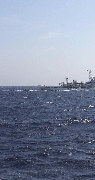 Китайский корабль береговой охраны в водах Южно-Китайского моря