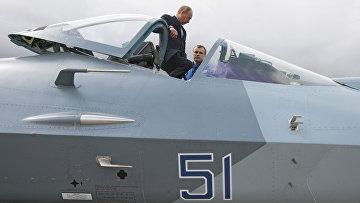 Премьер-министр РФ В.Путин присутствовал на испытаниях истребителя пятого поколения Т-50