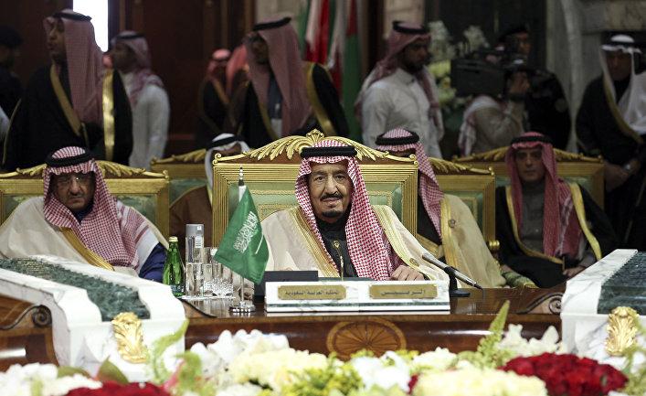 Король Саудовской Аравии Салман ибн Абдул-Азиз Аль Сауд на саммите стран Персидского залива в Эр-Рияде