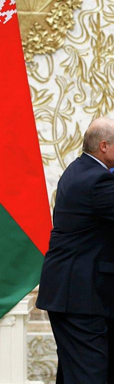 Президент Белоруссии Александр Лукашенко, президент России Владимир Путин, канцлер Германии Ангела Меркель, президент Франции Франсуа Олланд и президент Украины Петр Порошенко во Дворце независимости в Минске