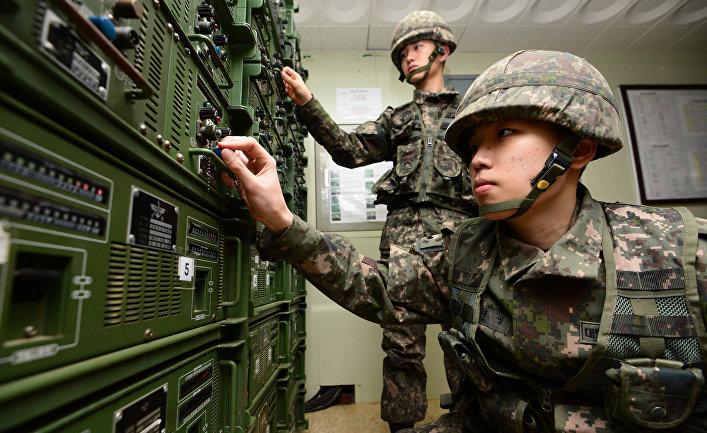 Южнокорейские солдаты в Йончхоне на границе с Северной Кореей после сообщения о проведенных КНДР ядерных испытаниях
