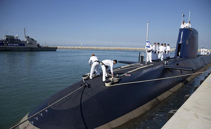 Подводная лодка АХИ «Рахав», прибывшая в порт Хайфы из Германии