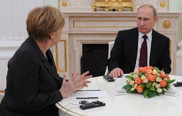 Президент России В.Путин провел рабочую встречу с канцлером ФРГ А.Меркель и президентом Франции Ф.Олландом