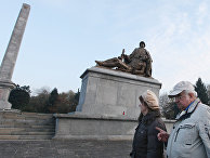 Памятник красноармейцам на кладбище в Варшаве