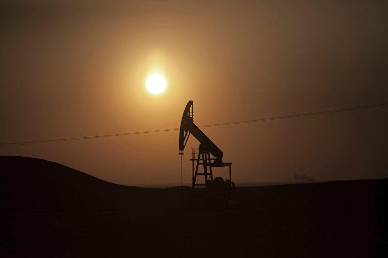 Нефтяное месторождение в Сирии, подконтрольное ИГИЛ (запрещена в РФ)