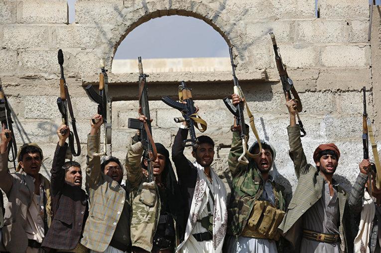 Группа хуситов в Сане