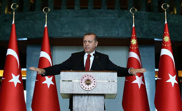 Президент Турции Раджеп Эрдоган обращается к послам на встрече в Анкаре