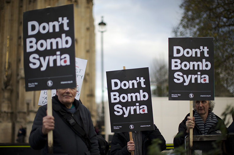 Участники антивоенной акции протеста в Лондоне
