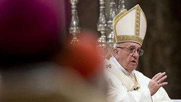 Папа Римский Франциск во время церемонии в Соборе Святого Петра в Ватикане