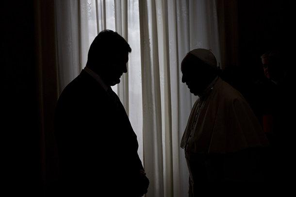 Папа Римский Франциск и президент Украины Петр Порошенко в Ватикане