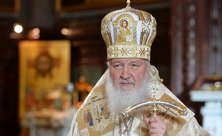 Патриарх Московский и всея Руси Кирилл во время Рождественского богослужения в храме Христа Спасителя в Москве