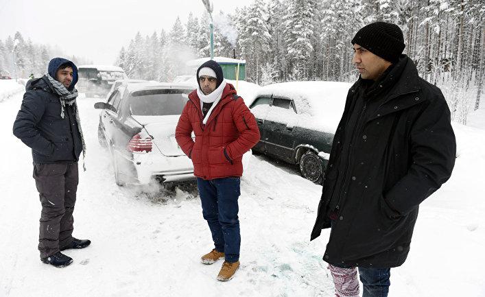 Беженцы из Афганистана и Пакистана в ожидании разрешения на въезд в Финляндию