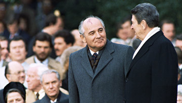 Михаил Горбачев и Рональд Рейган