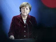 Канцлер ФРГ Ангела Меркель на пресс-конференции в Берлине