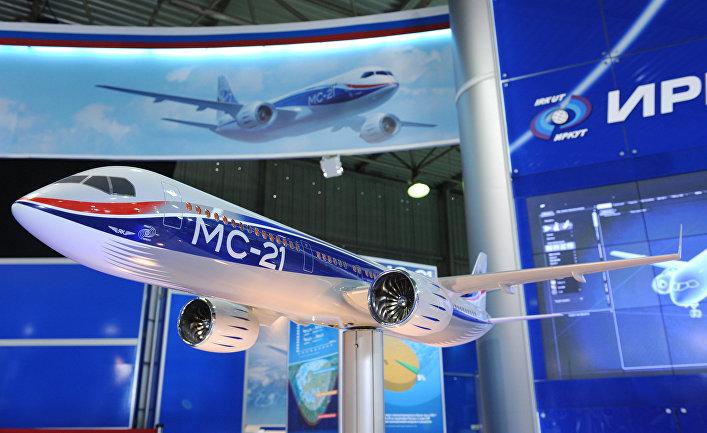 Макет магистрального самолета