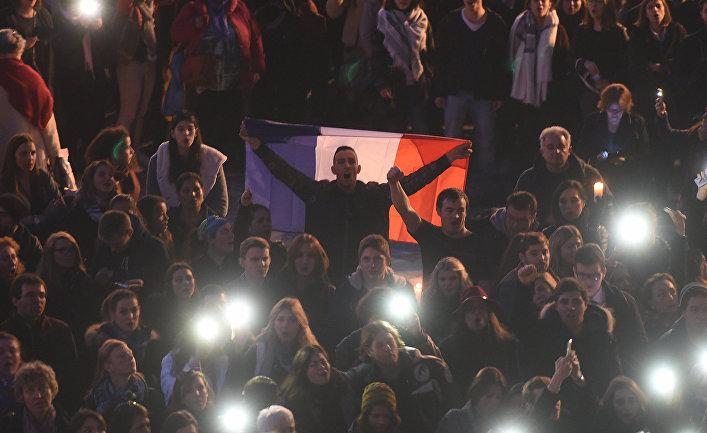 Люди собрались на Капитолийской площади в Тулузе