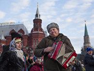 Традиционные русские гулянья на Красной площади в Москве