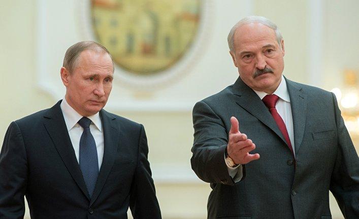 Лукашенко между Россией и Западом: как «усидеть на двух стульях»