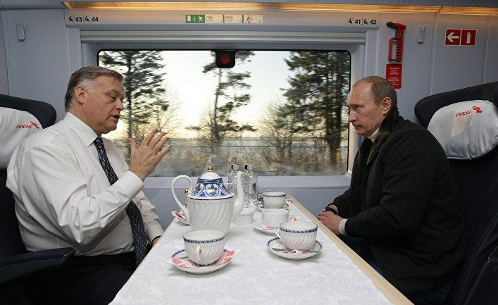 """Премьер-министр России В.Путин совершил поездку на новом скоростном поезде """"Сапсан"""""""