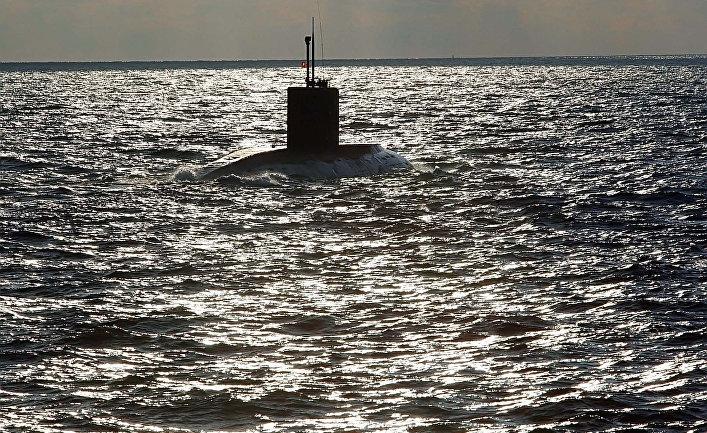 Балтийский флот проводит учения по спасению подводной лодки