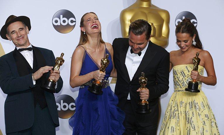 Леонардо Ди Каприо, Марк Райлэнс, Бри Ларсон и Алисия Викандер на 88-й церемонии вручения премии Оскар в Голливуде