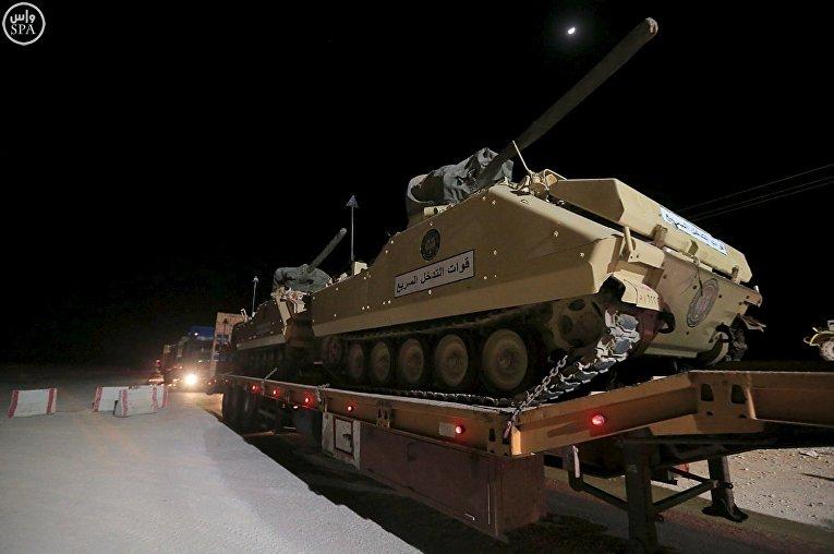 Военная техника на маневрах в Саудовской Аравии