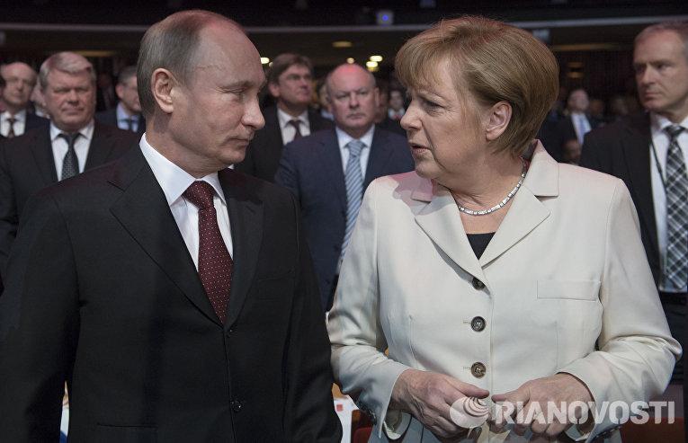 Владимир Путин и Ангела Меркель на открытии Ганноверской промышленной ярмарки