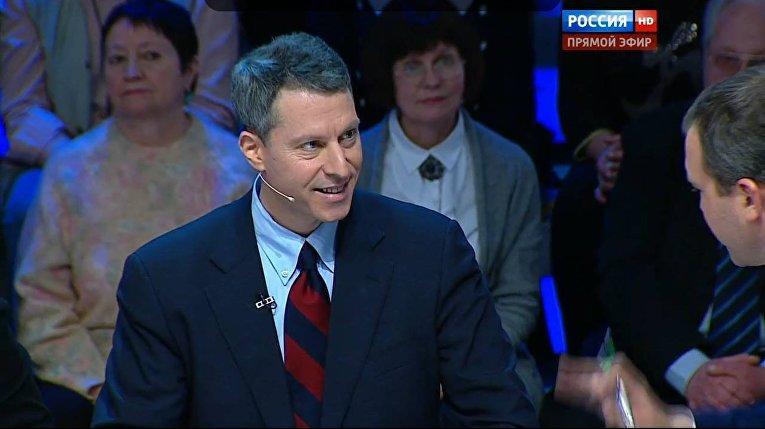 Майкл Бом выступает на телеканале «Россия»