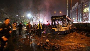 На месте теракта в Анкаре, 13 марта 2016