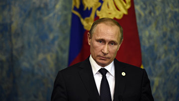 Владимир Путин на пресс-конференции в Париже