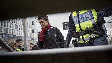 Полиция проверяет мигрантов на вокзале города Мальмё