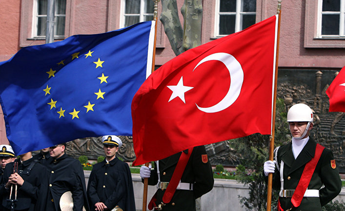 Турецкий почетный караул встречает председателя Еврокомиссии Жозе Мануэла Баррозу и премьер-министра Турции Реджепа Тайипа Эрдогана, 2008 год