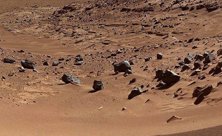 Марсианская поверхность, сфотографированная ровером «Кьюриосити»