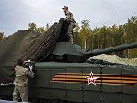 "Танк Т-14 на гусеничной платформе ""Армата"""