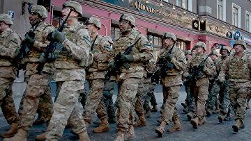 Солдаты США на улице Риги