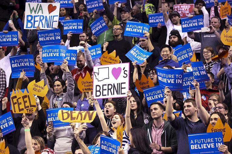 Сторонники кандидата в президенты США демократа Берни Сандерса в Вашингтоне