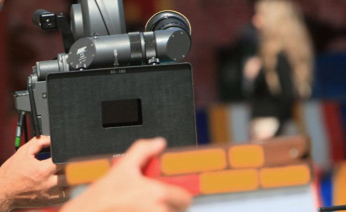Програмку которая переводит киноленты на российский язык
