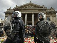 Полиция Брюсселя очистила от манифестантов место памяти жертв терактов