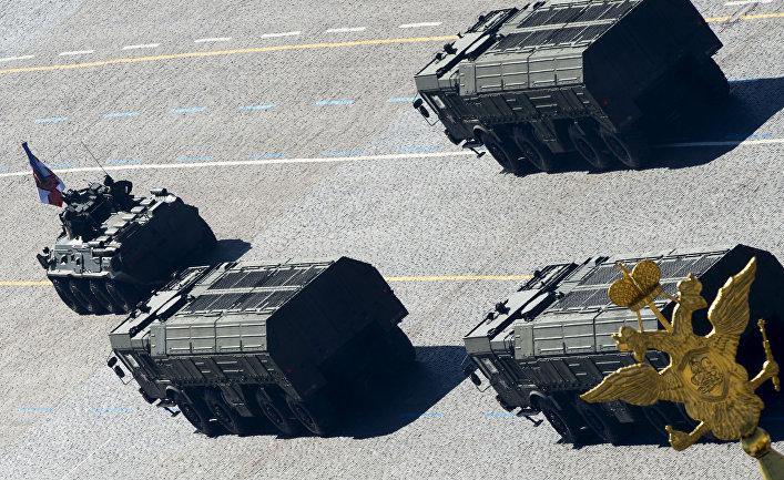 Оперативно-тактические ракетные комплексы ПУ «Искандер» на репетиции парада Победы на Красной площади