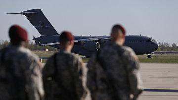 Солдаты из 173-го воздушного батальона ВВС США прибыли для проведения совместных американо-литовских военных маневров